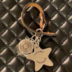 🆕Tommy Hilfiger SS Steel Leather Logo Key chain